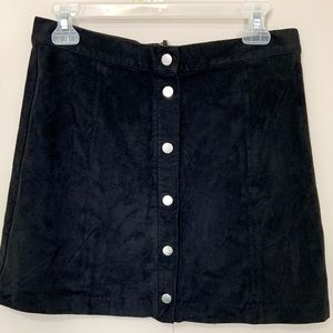 FAUX SUEDE H&M SKIRT WITH BUTTONS, BLACK, SZ 10